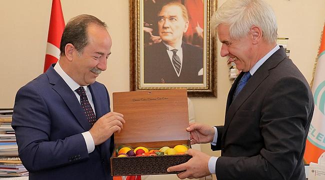 BAŞKONSOLOS REİFFENSTUEL'DEN GÜRKAN'A ZİYARET